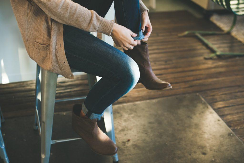 Beaucoup de femmes se demandent pourquoi elles ont besoin de faire tant d'efforts en amour alors que d'autres femmes trouvent l'amour si facilement. Voici un article qui aidera ces femmes à trouver des solutions.